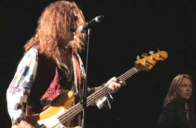 glenn hughes performs classic deep purple le 6 novembre a paris 02